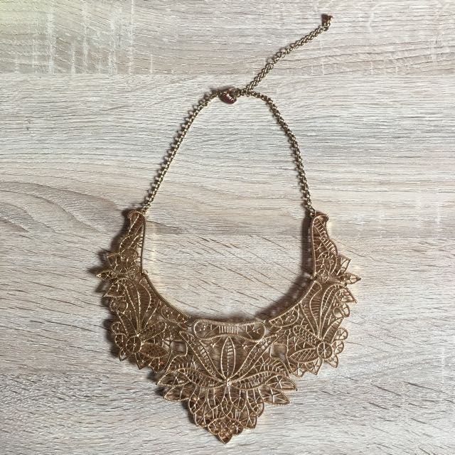 (Free pos)Lovisa Statement Necklace