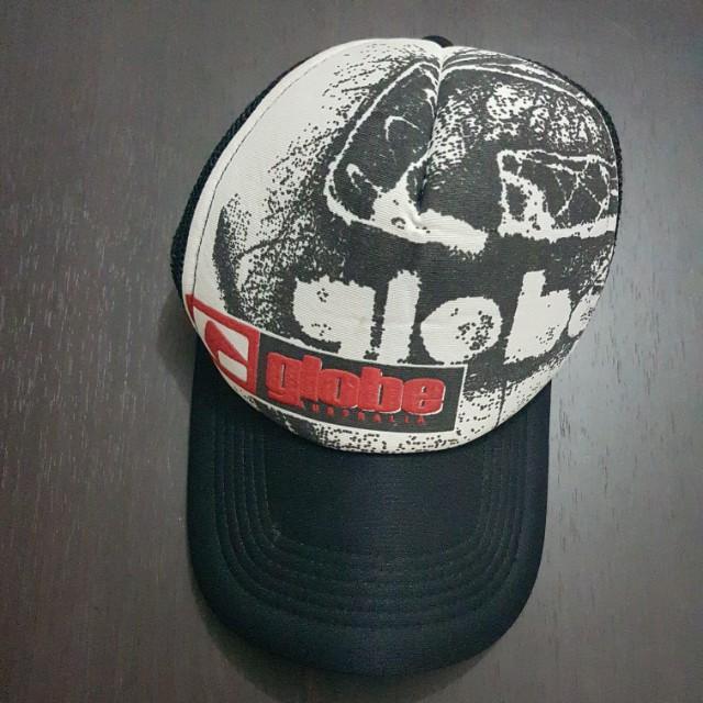 GLOBE Black Cap