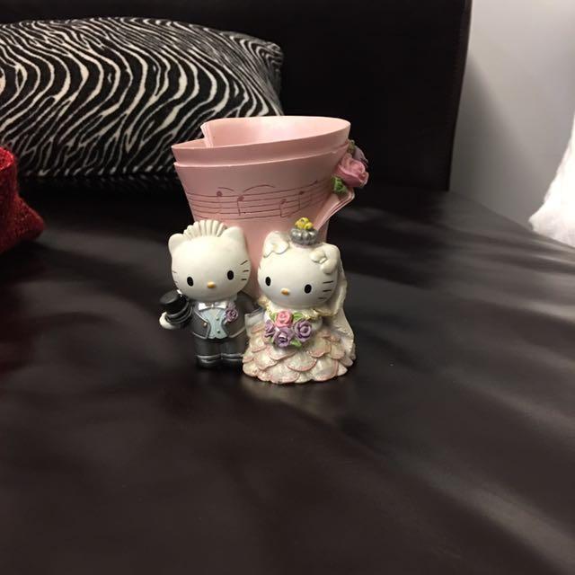 Hello Kitty 造型新郎新娘筆筒