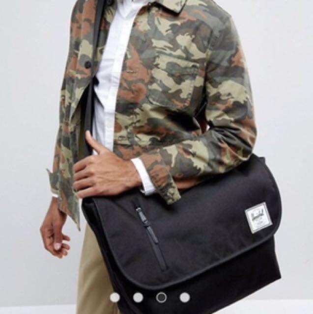 Herschel Supply Co. Odell Messenger Bag in Black 8de49aa5ead2d