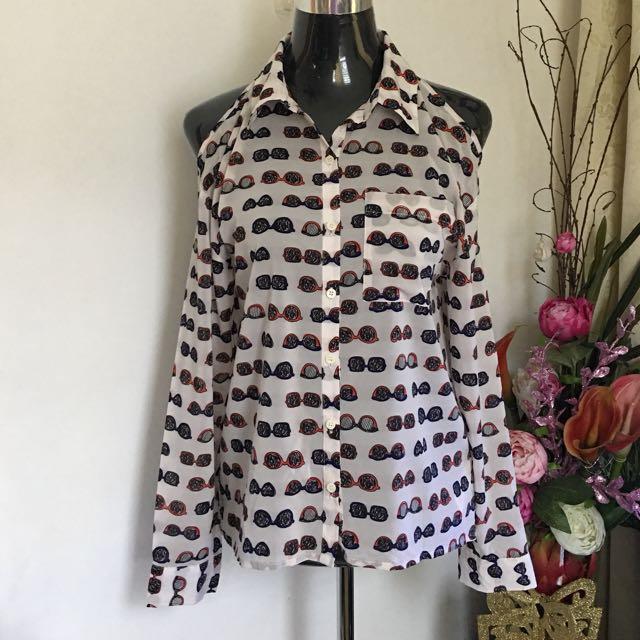 I love H81 (F21) cutout shoulder blouse