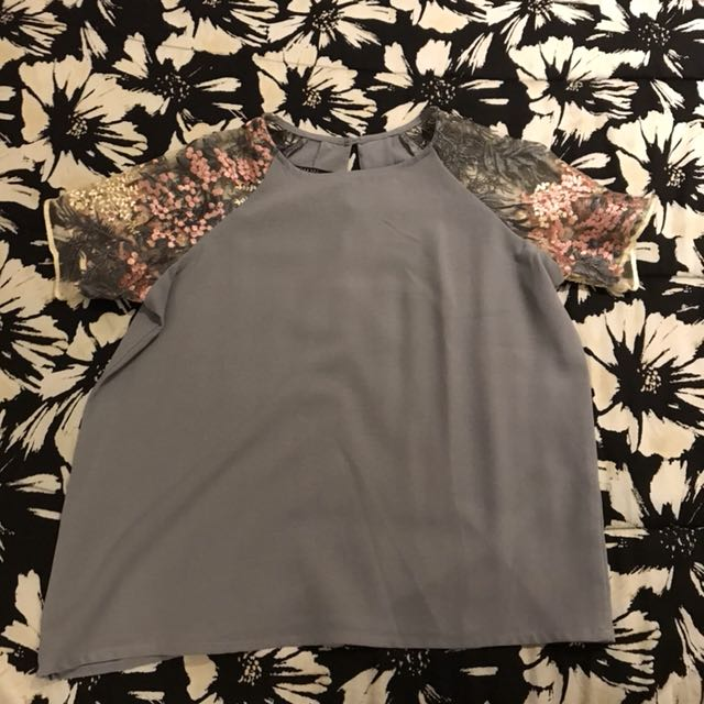 Item 11: Gray top
