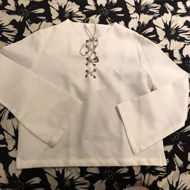 Item 19: White top