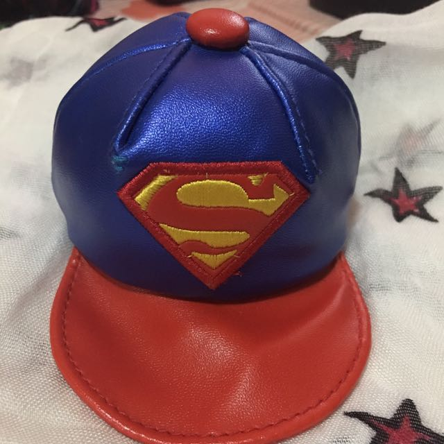 Key chain hat superman red and blue