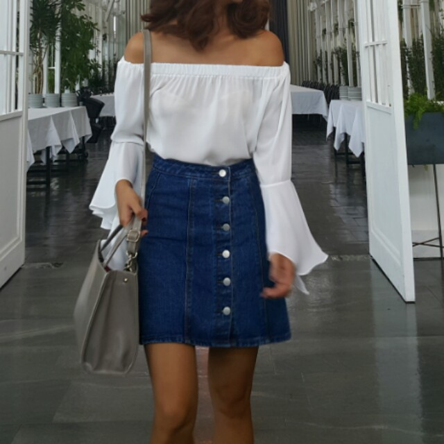 Korean brand white long sleeves off shoulder top with butterfly sleeves