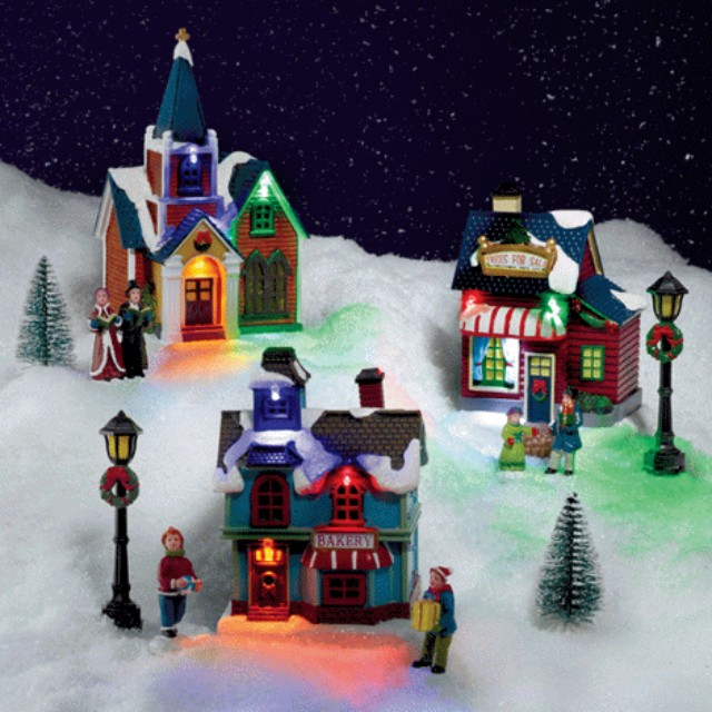new in box! Holiday Village Scene 11 Piece Set