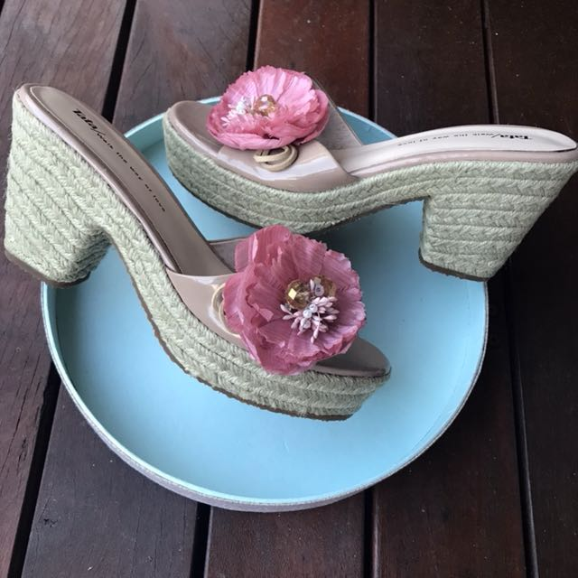 *NEW* leather flower block heels size 37