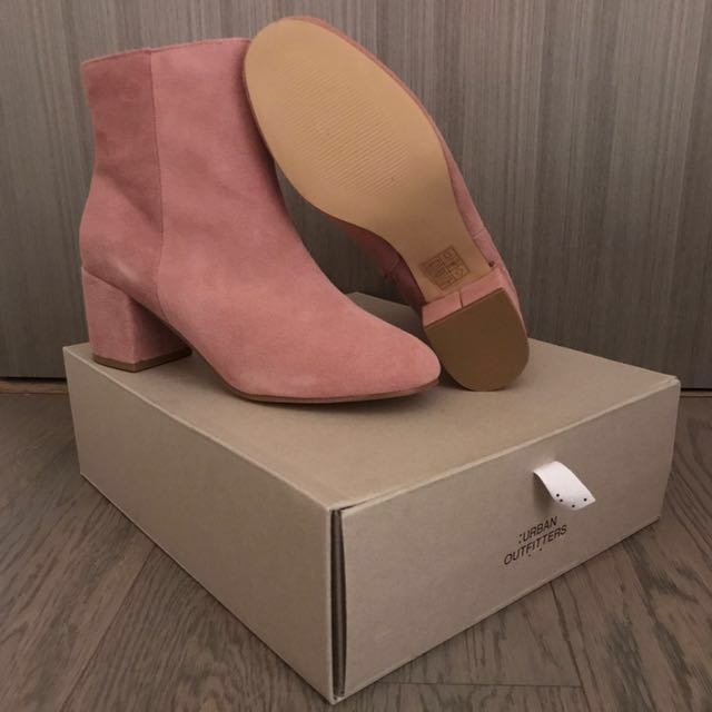 New Urban Outfitters Suede Thelma Boots Size 8