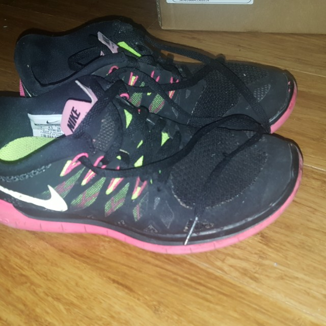 Nike Free 5.0 Size 37.5 or 7 in ladies