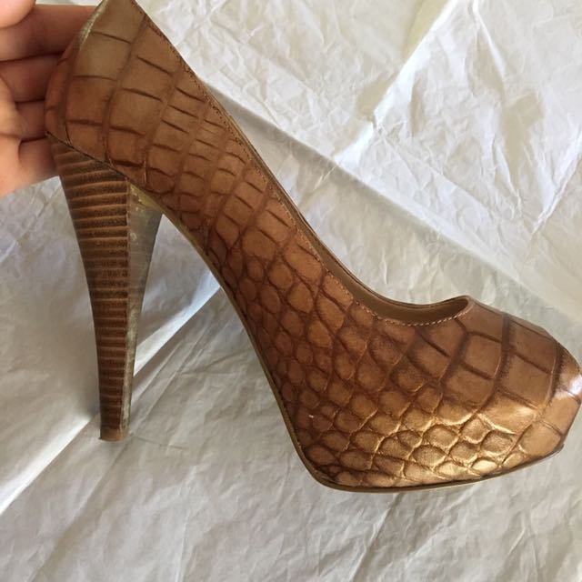 Nine West 7 1/2 High Heels