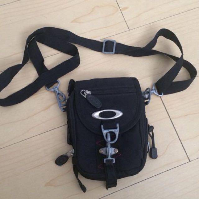 oakley travel side bag