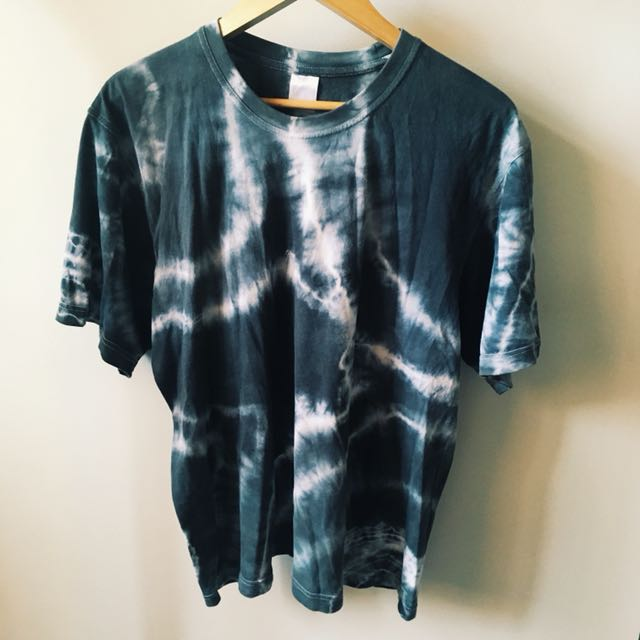 oversized dark blue/grey and white tie dye tshirt