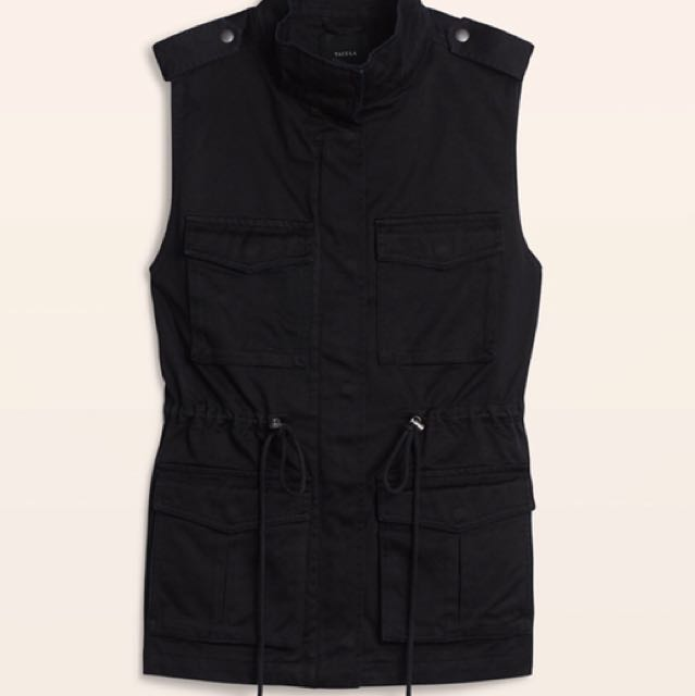 *Reduced Price* Aritzia (Talula) Yerwood Vest (size XS)