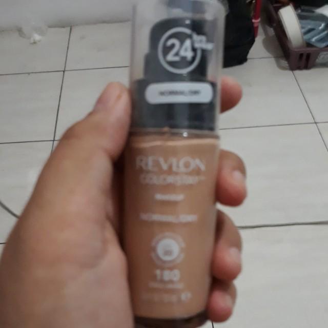Revlon Foundation Pump