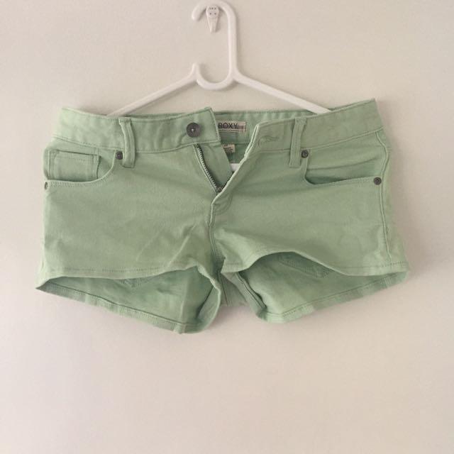 Roxy Size 25 short shorts
