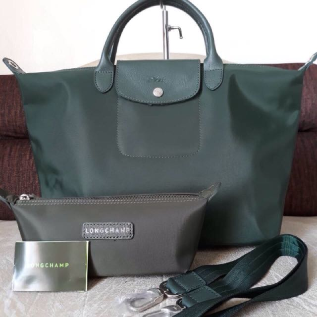 4dcdcfaf9b8 Sale!!longchamp bag wd pouch, Luxury, Bags & Wallets on Carousell
