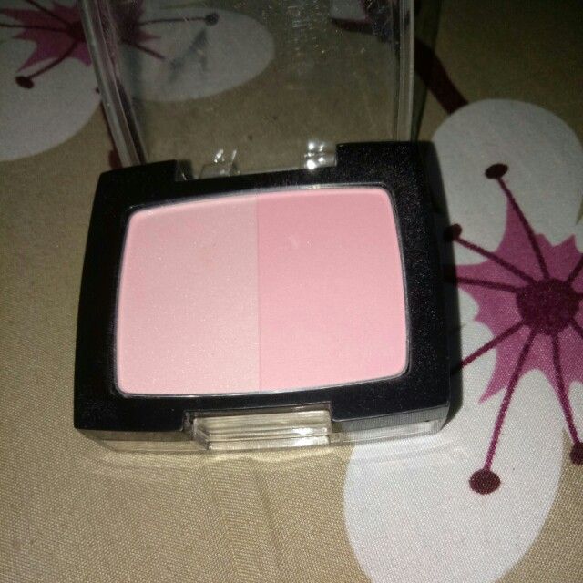 Silky girl shimmer duo.blusher
