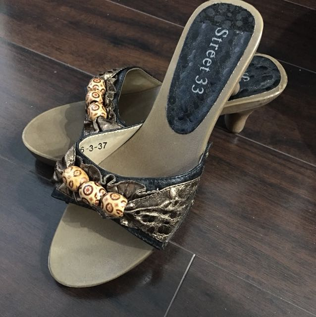 Size 7 heels metallic low slides sandals shoes
