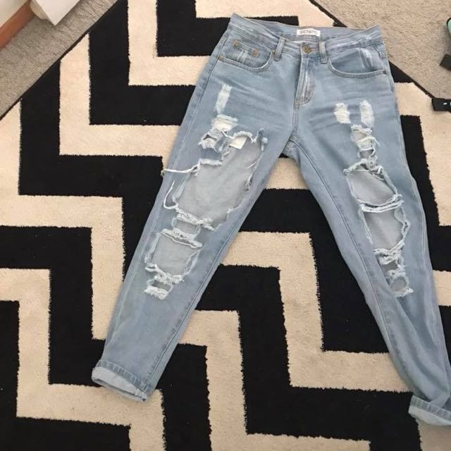 Size 8 blue mom ripped jeans