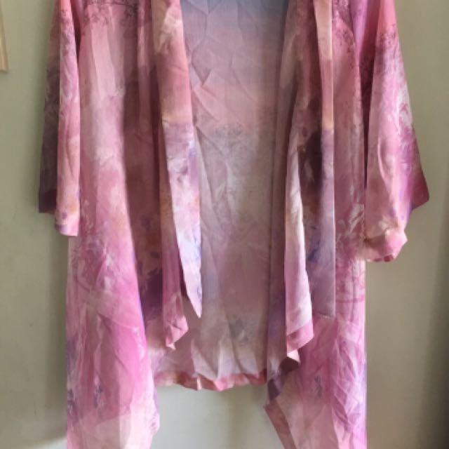 Size 8 oversized kimono