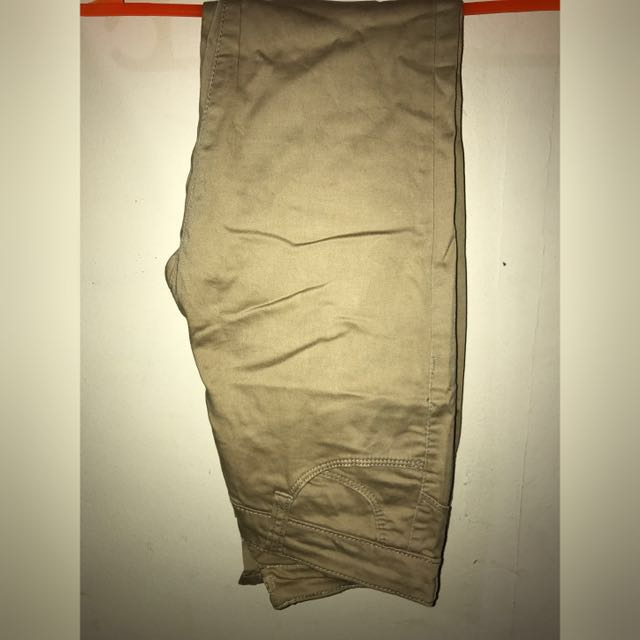 Skinny pants skintone