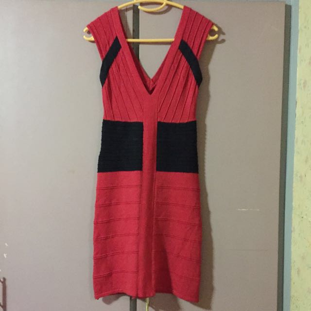 Soft bandage red dress