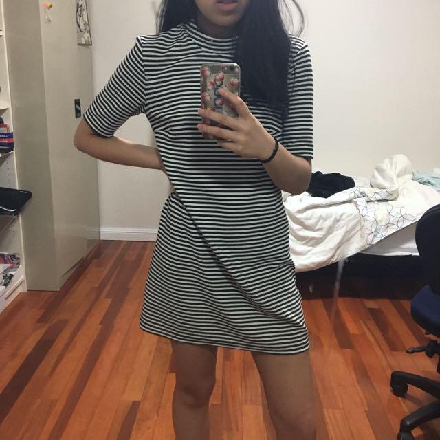 Stripe black and white tshirt dress
