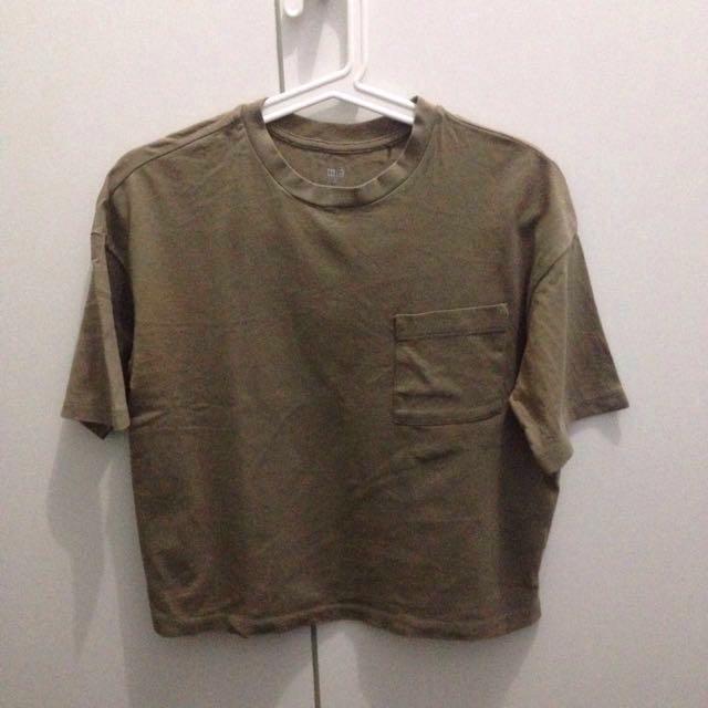 UNIQLO Pocket Olive Tshirt