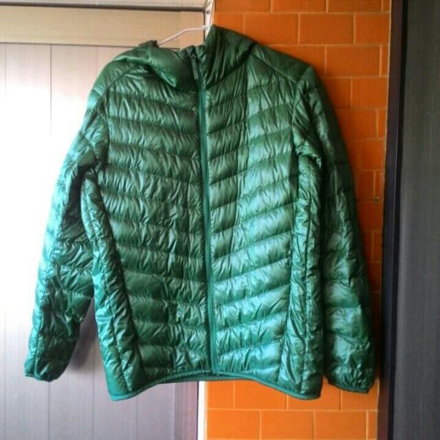 不議價👉UNIQLO男款綠色羽絨衣S
