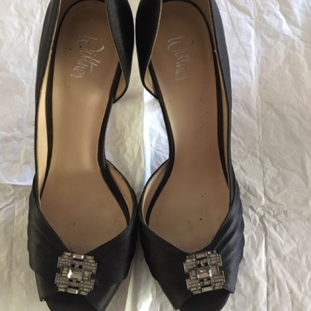 Wittner size 38 'satin' black peep toe