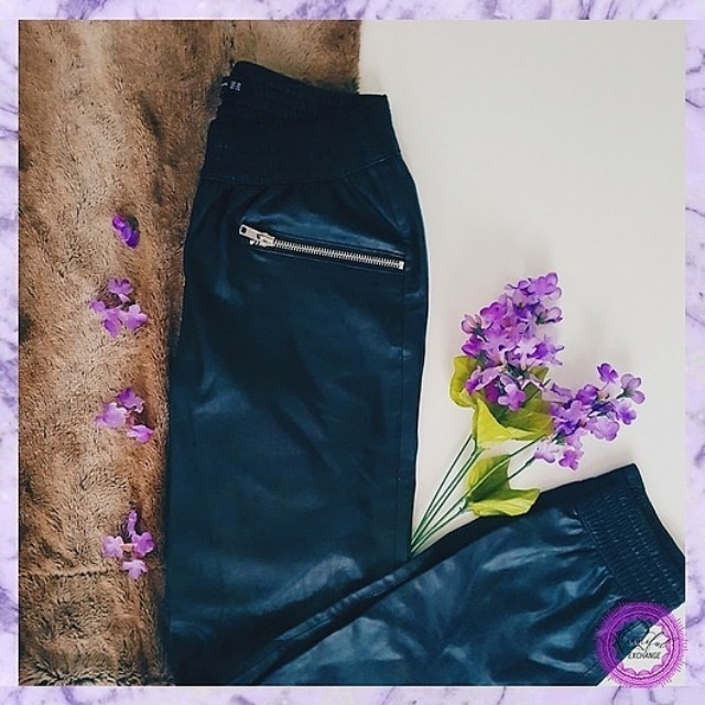 *Price Reduced* ZARA leather pants small