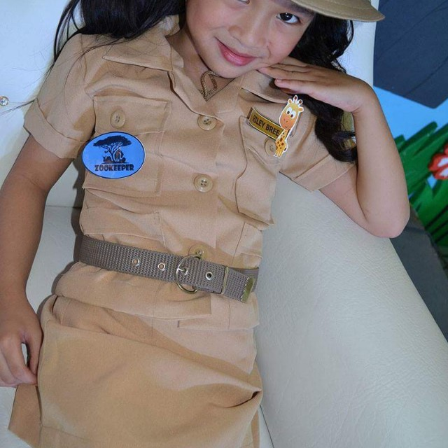 Zoo keeper uniform best zoo in the world 2018 do it yourself zoo keeper costume save zebra and zookeeper couple solutioingenieria Images