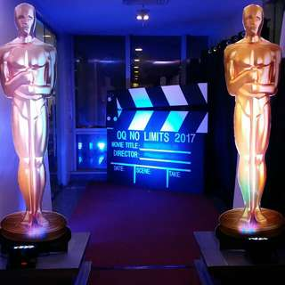 Giant Oscar Statue and Clapper