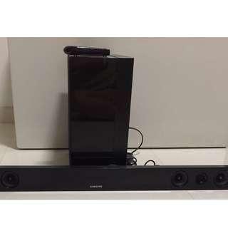 Preloved Samsung HW-F450 2.1 Channel Soundbar with Wireless Subwoofer