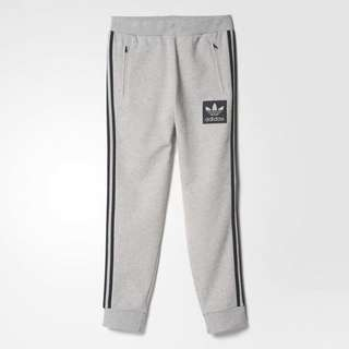 adidas Originals Street Essentials Trio Sweatpant AJ9523