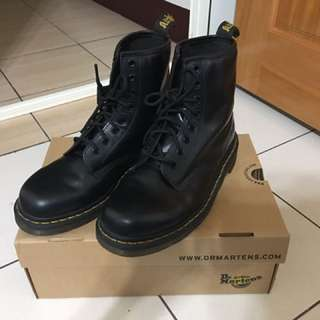 🚚 Dr Martens 1460 黑色 UK7 US8 EU41,可議價,被棄標了,重新開賣!