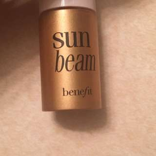 Benefit Sunbeam highlighter