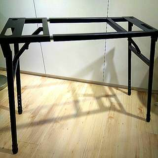 電子琴-伸縮架--自取。