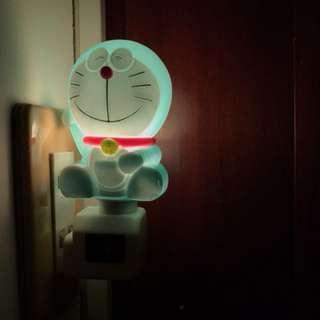 哆啦A夢 小叮噹 照明燈 壁燈 小夜燈 餵奶燈 睡眠燈 節能燈 起床夜燈Doraemon Tinkerbell Lighting Wall lamp Night light Milk lamp Sleep light Energy-saving lamp Wake up Night light