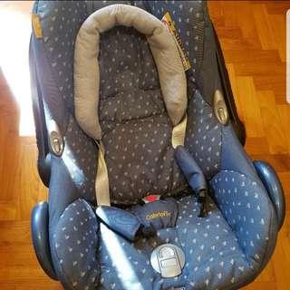 Infant Car Seat - Maxi Cosi