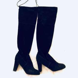 Suede knees boots 👢