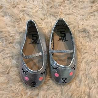 Cotton on shoe