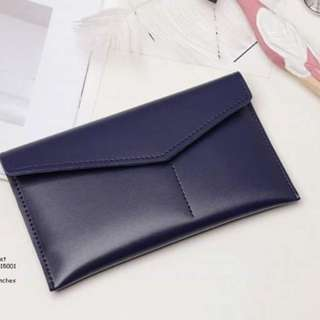 Leather wallet size : 4*7 inches