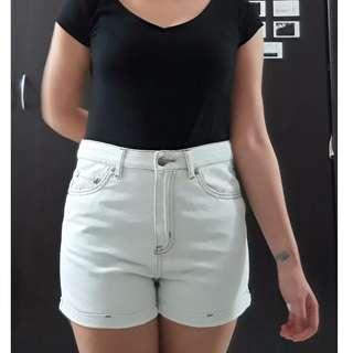 High-waisted Shorts (Brand: Straightforward)