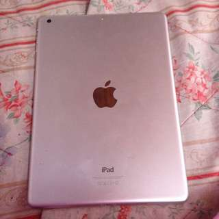 iPad air1 defective, mother board lng sira nya so pwde mo pa nagamit ung iba like LCD ETC. may tawad pa