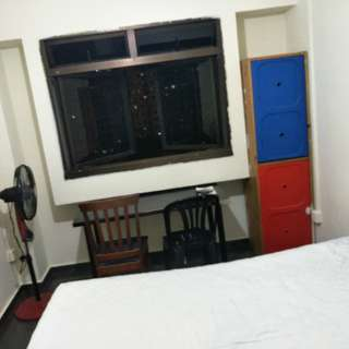 NICE COMMON ROOM FOR RENT AT PIONEER. NEAR MRT, HAWKER AND POLYCLINC, NTU