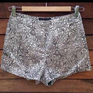 *UNWORN* Forever New highwaisted Shorts