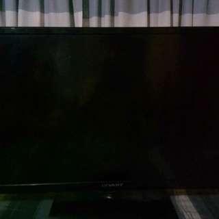 "Dévant 32"" LED TV"