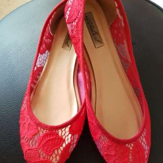 Ittaherl Flat Red size 35