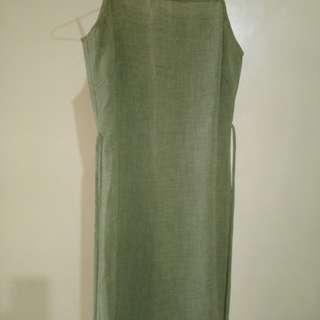 綠色洋裝加罩衫